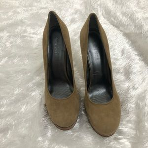 Nine West Wooden Platform Heel suede pump   7.5